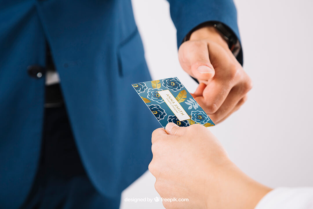 Зачем нужны пластиковые карты?